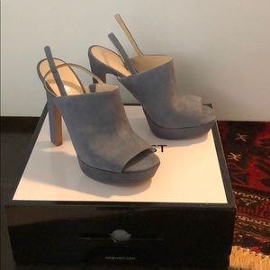 Nine West sz 9, peep toe suede slingback platforms